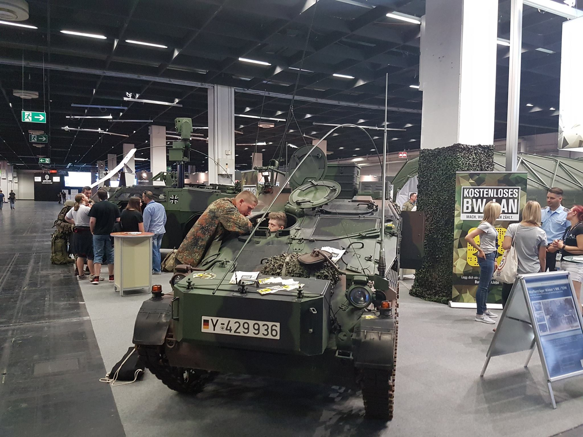 germanarmyvehicles1.jpg